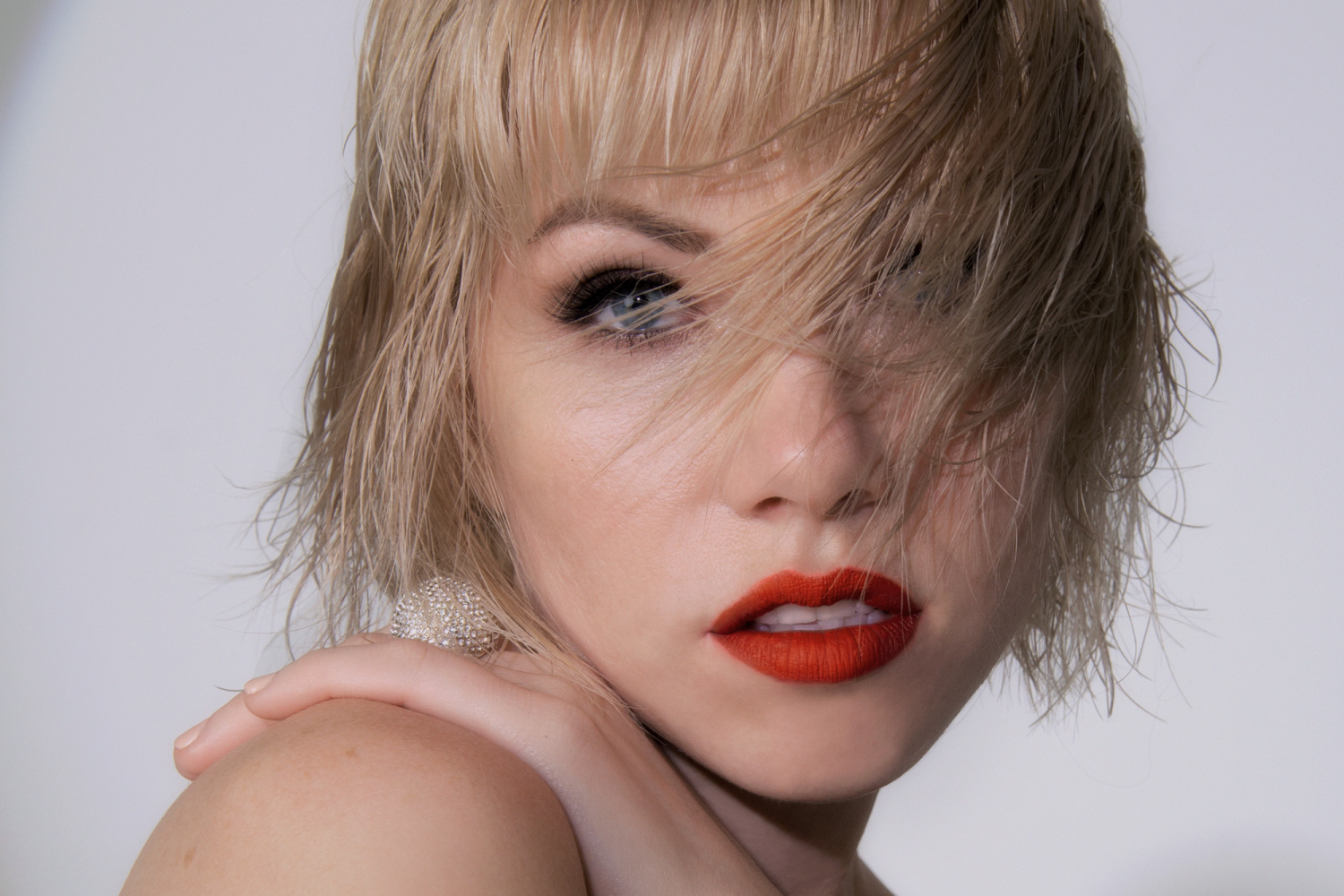 Dedicated: Side B — an album review and analysis of Carly Rae ...